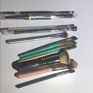 Brand new it cosmetics eye brushes bundle